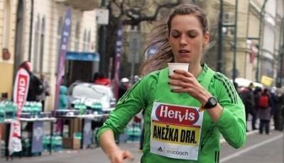 Hlasujte! Anežka Drahotová může být evropskou atletkou měsíce