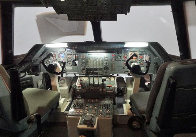 airplane-cockpit
