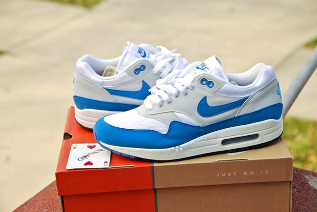 Nike Full Air Shoes