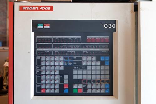 Amdahl 4705 front panel