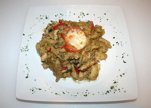 48 - Pesto-Hähnchen / Pesto chicken - Serviert