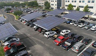 solar-topped parking at Dell facility in Texas (by: Envision Solar via EcoFriend)