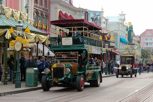 Busy traffic day on Main Street