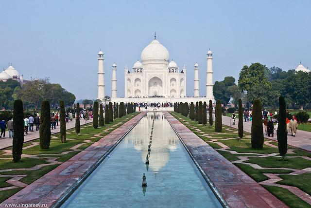 Agra. Taj Mahal