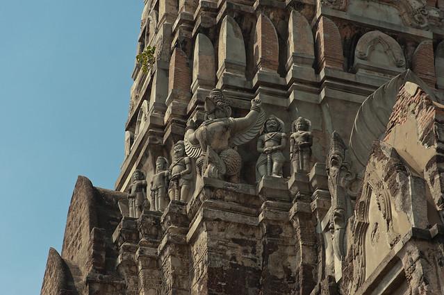 detall de l'arquitectura del temple d'estil khmer a Ayutthaya