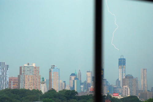 Lightning strikes the Freedom Tower