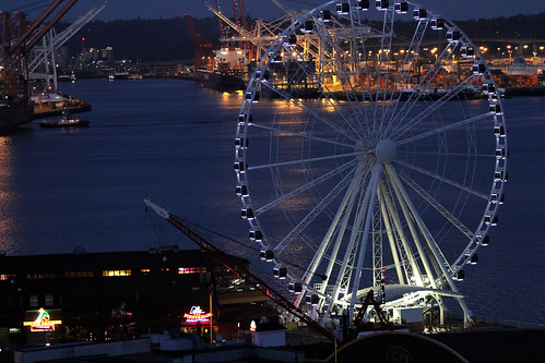 Seattle Great Wheel - Night