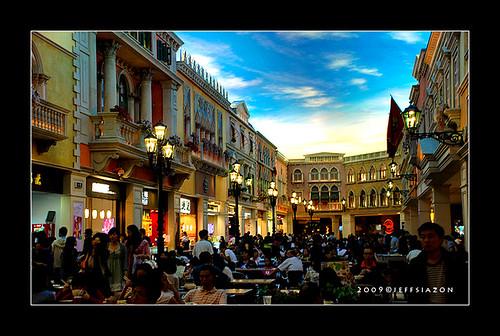 food court in Venetian Macau