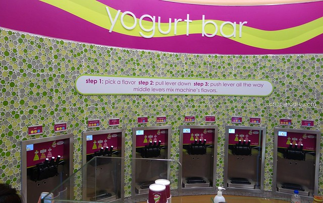 Menchie's Yoghurt Bar