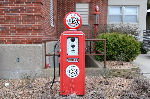 sign iowa gaspump dx gasolinesign algonaiowa dxgasoline kossuthcounty midcontinentpetroleumcorporation