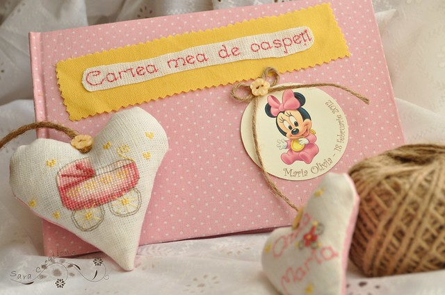 Minnie Mouse baby guestbook