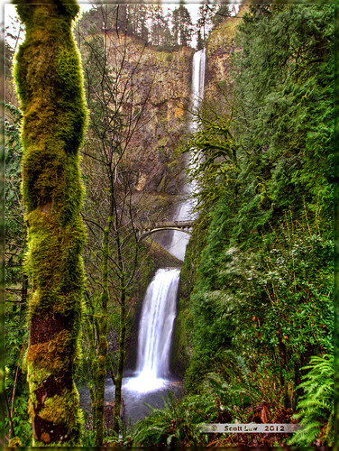 Multnomah Falls by Just Used Pixels