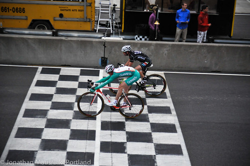 Criterium racing at PIR-4