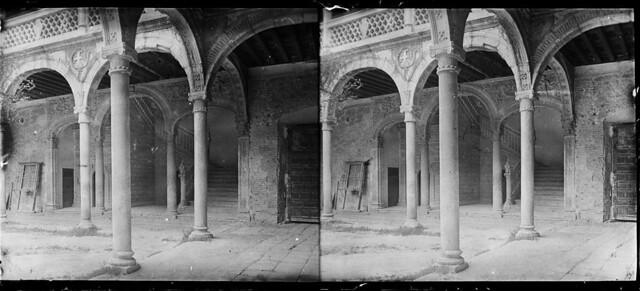 Hospital de Santa Cruz en junio de 1927. Fotografía de Albert Oliveras i Folch. © Arxiu Fotogràfic de Catalunya. Centre Excursionista de Catalunya
