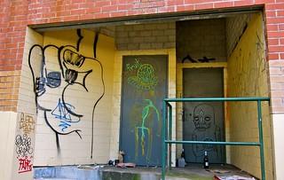 GRAFFITI_NEWTOWN_120704 - 2