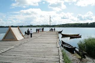 Rahseglertreffen Vorbereitungen - Die Landebrücke unten am Hafen von Haithabu - Museumsfreifläche Wikinger Museum Haithabu WHH 12-07-2012