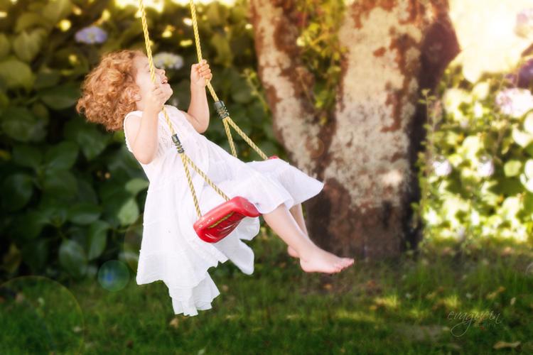 20120711Val-tía-Rosa-vestido-blanco-manzanas-y-columpio022-copia-2-R3b-BLOG
