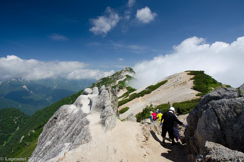 20120728 燕岳山頂への稜線
