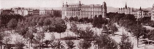 Barcelona, la plaza de Cataluña, circa 1920. by Octavi Centelles