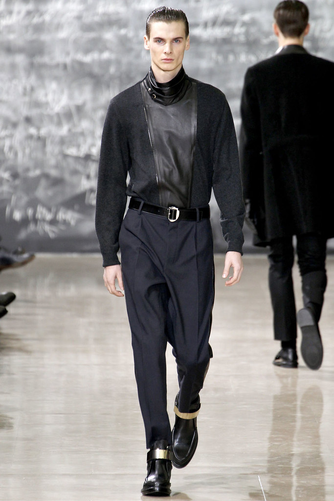 Angus Low3024_FW12 Paris Yves Saint Laurent(VOGUE)