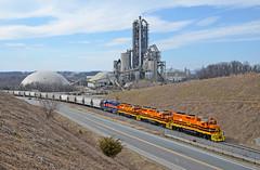 CORP GP38-3-2062, 2066, 2065 MMID GP38-3-2060 switching at Union Bridge, MD