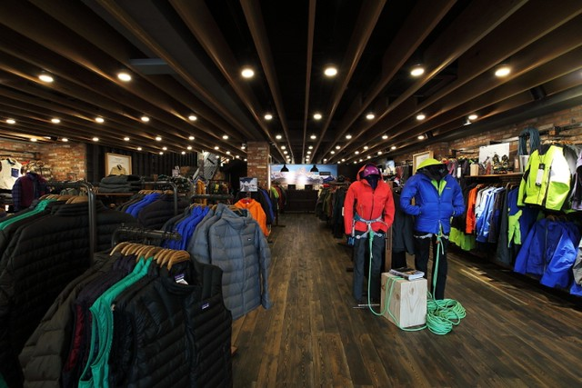 Patagonia-store-by-DesignAD4M-SYSP-Seoul-South-Korea-03