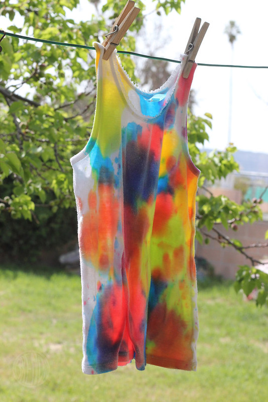 egg-dyed tank top