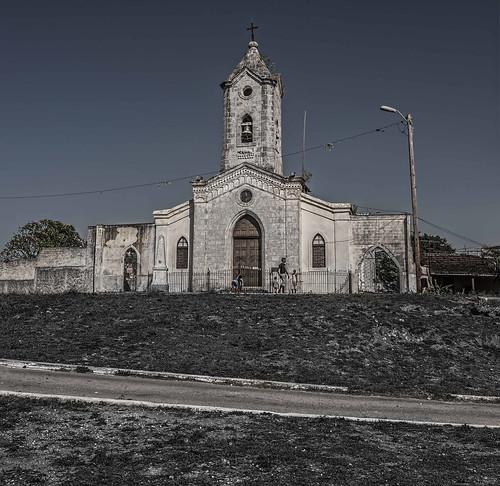 Descending cross road by Rey Cuba