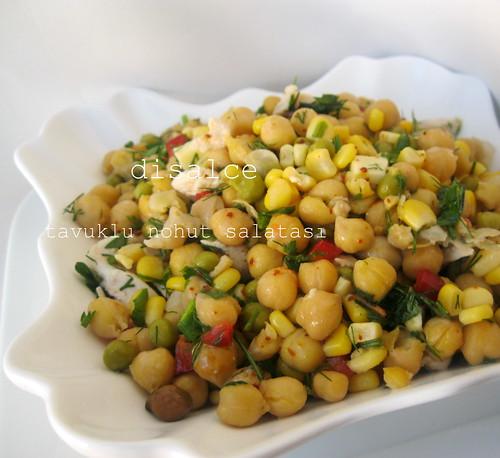 tavuklu nohut salatası