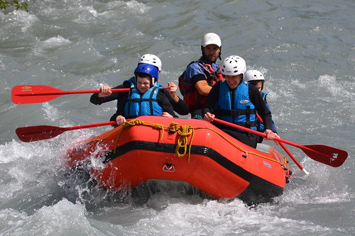 An exhilarating family river ride!