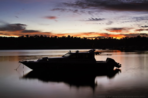 longexposure sea beach sunrise landscape boat photo foto waterscape slowshutterspeed sawai franciscusnanangtriana
