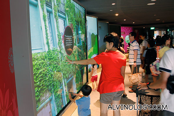 Interactive learning gallery for the kids