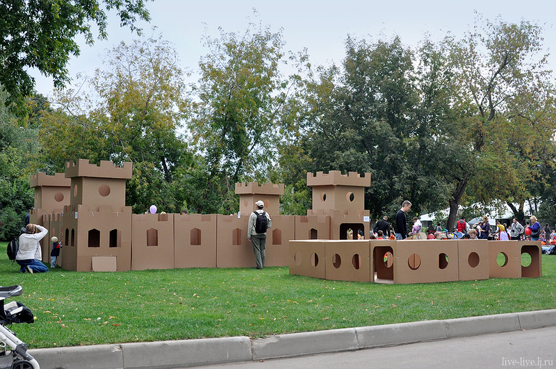 Cardboard city_017