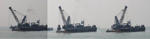 填海造陸工程挖掘海底淤泥,重新將沈積海底的污染物翻攪起來,再次污染海水。