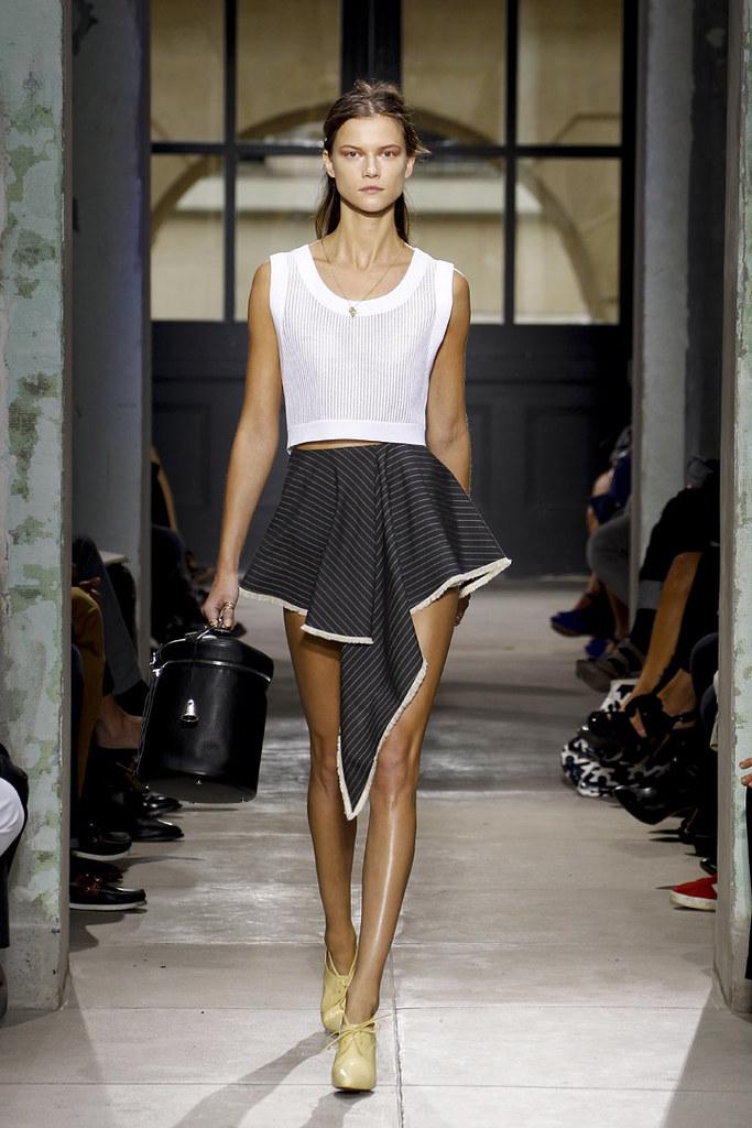 balenciaga-ss13-womenswear-19