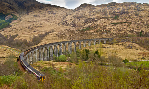 The 10:10 Mallaig to Glasgow Queen Street and the Glenfinnan viaduct