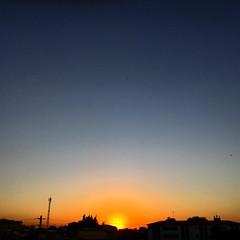 Céus do Montese XXIII #sunset #sky #noclouds #colors #skycolors #luscofusco #tons #beautifulsky #fortalezaemcores #vocêfotógrafo #palcovidaearte #natureversuscity #dnfotografia #tribunadoceara