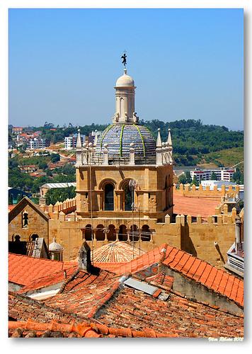 Torre-lanterna românico-gótica da Sé Velha by VRfoto