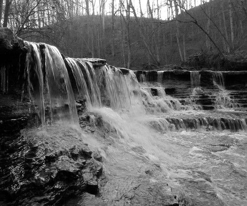 blackandwhite water creek rocks stream waterfalls