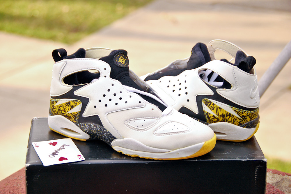 the latest 41dc5 a37a0 ... 1992 Air Tech Challenge Huarache   by dishwab