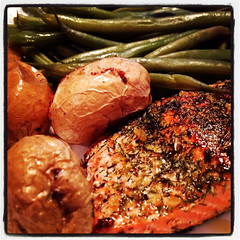 Dinner of salmon, roasted new potatoes & steamed green beans.