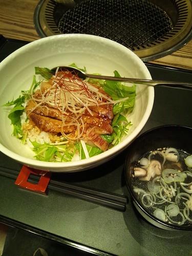[有楽町]焼肉たむらの「とろとろ豚トロ丼」