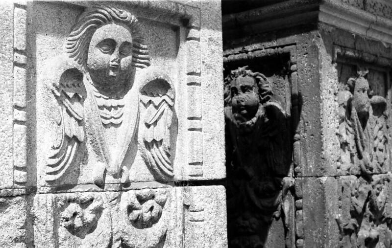 Fotografía convencional, Lima en rollo. Detalle columna Convento San Francisco de Asís
