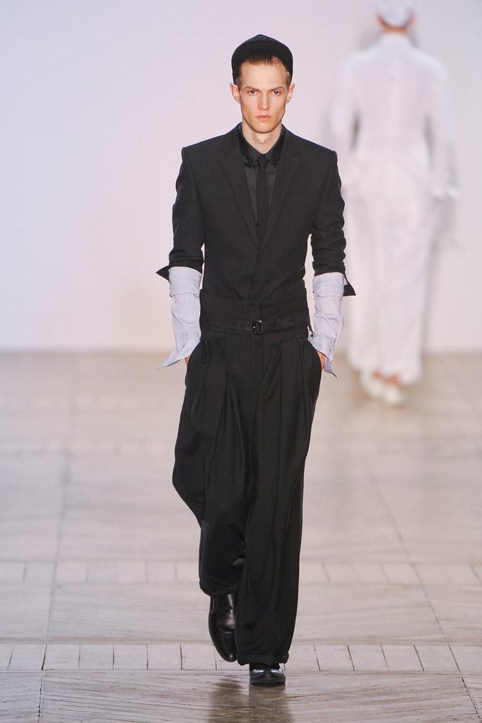 SS13 Paris Juun J.003_Adrien Boche(fashionising.com)
