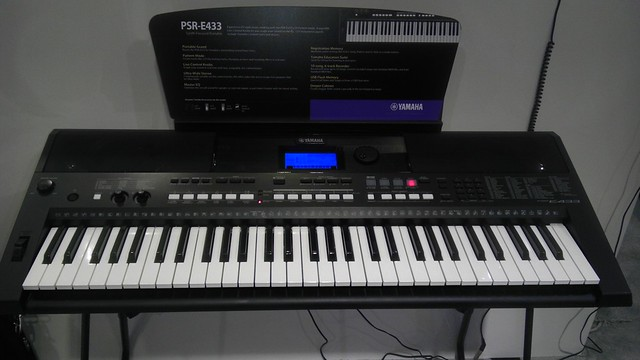 yamahakeys introduces psr e433 portable keyboard at. Black Bedroom Furniture Sets. Home Design Ideas