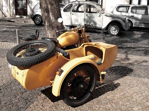 Sidecar y 2CV by treboada
