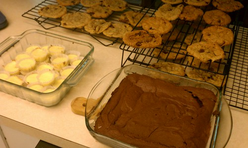 Cheesecake, brownies and cookies