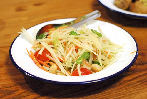 som tum | papaya salad