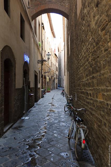 Флоренция - вот такие уютные улочки