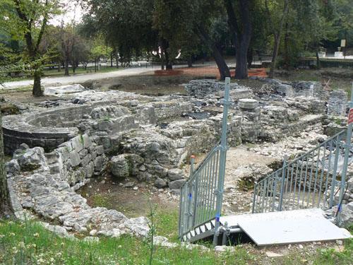 ruines cathédrale.jpg